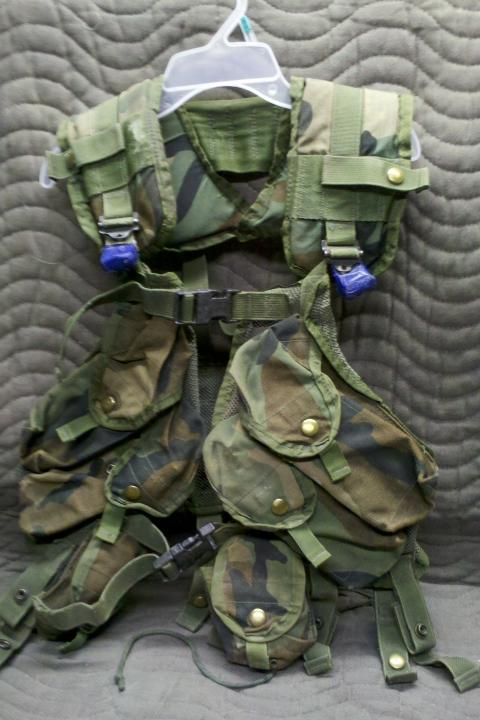 VEST, TACTICAL LOAD CARRYING